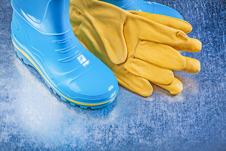 長靴・手袋は厚手のゴムかつ紐で絞れるタイプがベスト